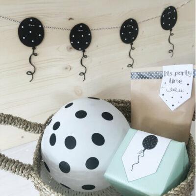 Feestslinger met ballonnen zwart wit