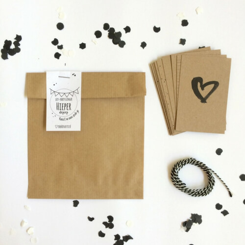 DIY slinger met letterkaartjes