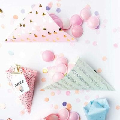 Traktatiezakjes uitdelen kinderverjaardag